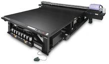 MIMAKI JFX200-2531.  Планшетный(C,M,Y,K,W,Cl) UV-LED плоттер. Максимальный размер печати 2500х3100 мм. Толщина материалы 50мм.  Разрешение 300 dpi/1200 dpi, скорость печати до 25,0 м2/час. Вакуумный стол для фиксации материалов. Вес материала до 50кг. RIP