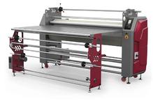 Каландровый термопресс, ширина рабочей зоны – 1600 мм, диаметр барабана 240мм, в комплекте со столом и Автоматическим размоточным устройством, максимальная скорость - 2 м/мин. Встроенный UPS. TitanJet RTX4-1600BAU-2T.